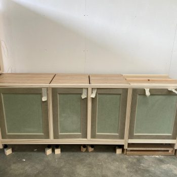 Bespoke Kitchen with integrated dishwasher door