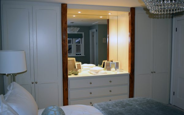 Made to measure bespoke wardrobes to suit all your needs