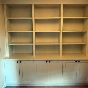 Bookcase with fluting detail