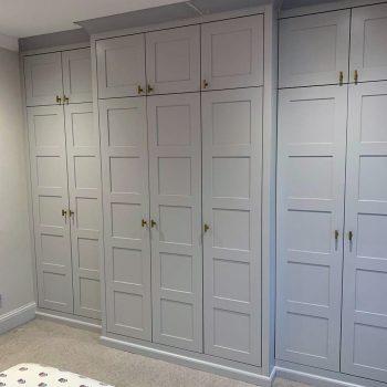 Break front wardrobe, doors have small shaker style panel