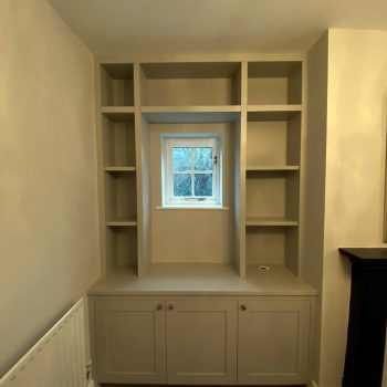 Alcove joinery, Base cabinets with doors and open shelving to top